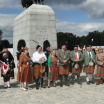 Clan Hay gathers at the statue of Robert the Bruce